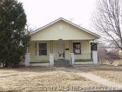 Sand Springs Single Family Home For Sale: 1022 N Garfield Avenue