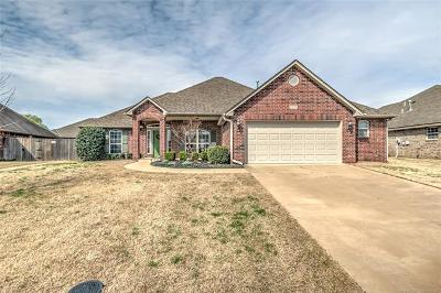 Bartlesville Single Family Home For Sale: 2005 Stanford Drive