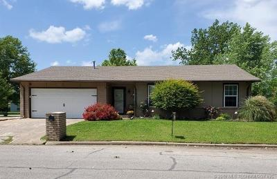 Glenpool Single Family Home For Sale: 683 E Glenpool Boulevard