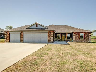 Mounds Single Family Home For Sale: 6950 Olind Drive