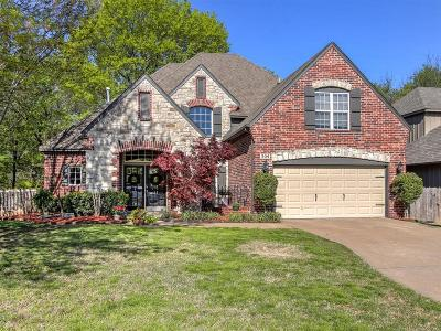 Broken Arrow Single Family Home For Sale: 304 S Sweet Gum Place