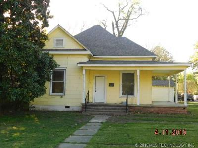 Muskogee Single Family Home For Sale: 401 S 14th Street