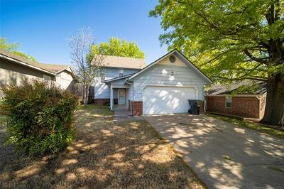 Claremore Single Family Home For Sale: 2012 Charlestown Circle