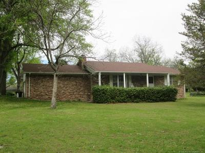 Fort Gibson Single Family Home For Sale: 1102 Cemetery Road