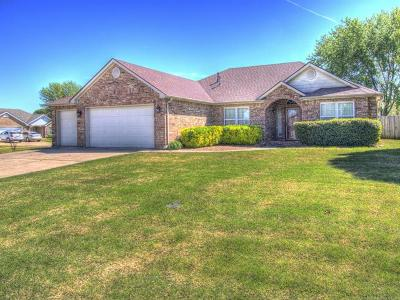 Collinsville Single Family Home For Sale: 13028 E 127th Place North