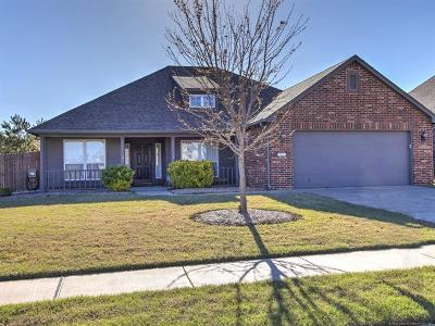 Broken Arrow Single Family Home For Sale: 503 S 49th Court