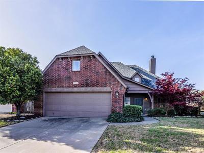 Broken Arrow Single Family Home For Sale: 3709 W Vicksburg Street