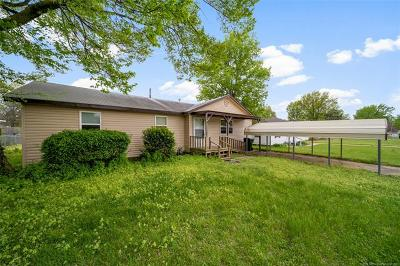 Claremore Single Family Home For Sale: 305 E 12th Place