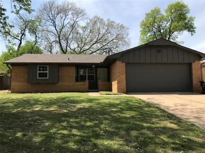 Claremore Single Family Home For Sale: 211 N Chambers Trail