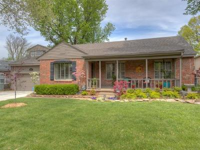 Tulsa Single Family Home For Sale: 1943 E 35th Street S