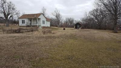 Okmulgee County Single Family Home For Sale: 302 E Gentry Street