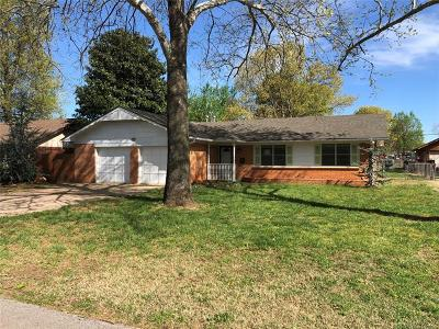 Sand Springs Single Family Home For Sale: 407 W 47th Street