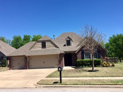 Broken Arrow Single Family Home For Sale: 2711 N 17th Street