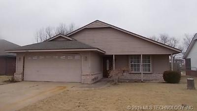 Claremore Single Family Home For Sale: 9465 E Sprucewood Drive