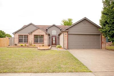Single Family Home For Sale: 11012 E 120th Court N