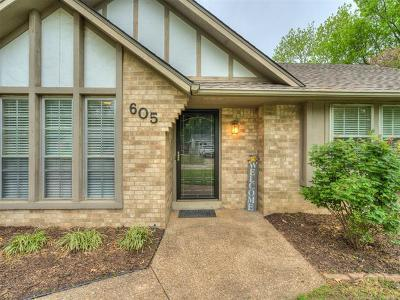 Claremore Single Family Home For Sale: 605 Rosewood Court