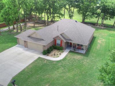 Pryor Single Family Home For Sale: 2 Cripple Creek Road