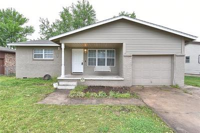 Tulsa Single Family Home For Sale: 10112 E 22nd Street