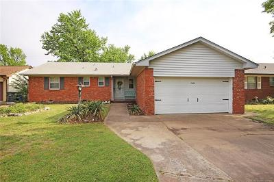 Tulsa Single Family Home For Sale: 7424 E 30th Place