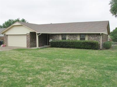 Muskogee Single Family Home For Sale: 3006 Kimberlea Drive