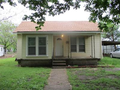 Drumright Single Family Home For Sale: 414 S Layton Avenue