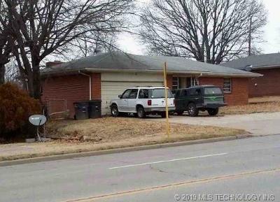 Bartlesville Single Family Home For Sale: 4338 SE Adams Boulevard