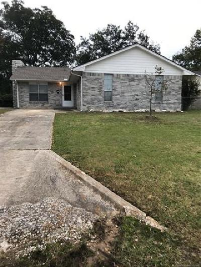 Ada Single Family Home For Sale: 903 W 24th Street