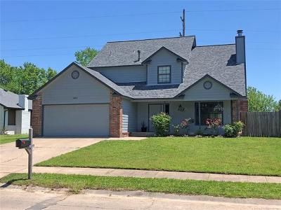 Glenpool Single Family Home For Sale: 14215 S Poplar Place