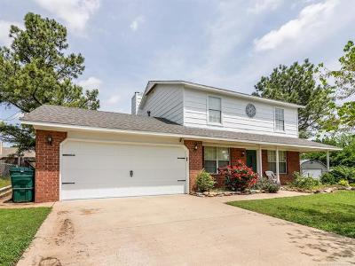 Sand Springs Single Family Home For Sale: 305 W 47th Street