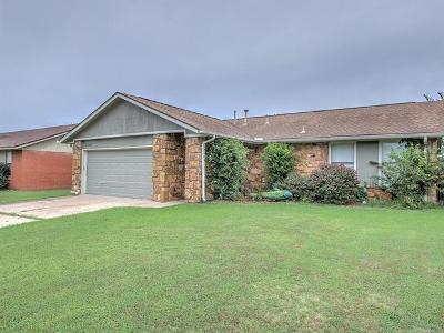 Mounds Single Family Home For Sale: 17651 S Santa Fe Place