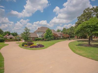 Tulsa Single Family Home For Sale: 7140 Oak Fairway Street