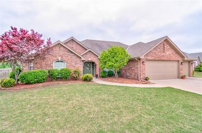 Bartlesville Single Family Home For Sale: 5648 Chestnut Hill