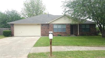 Owasso OK Rental For Rent: $1,200
