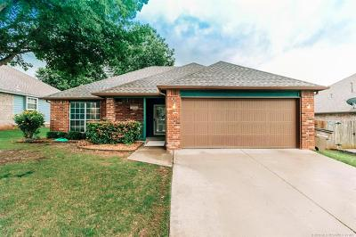 Bixby Single Family Home For Sale: 10222 E 114th Place S