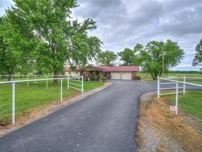 Wagoner Single Family Home For Sale: 25433 E 740 Road