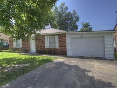 Pryor Single Family Home For Sale: 402 Park Street