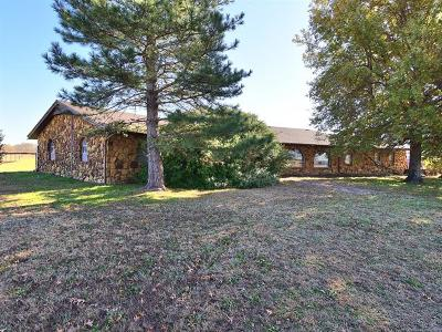 Okmulgee County Single Family Home For Sale: 820 Hwy 75