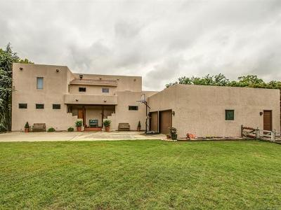 Tulsa Single Family Home For Sale: 7111 S Columbia Place