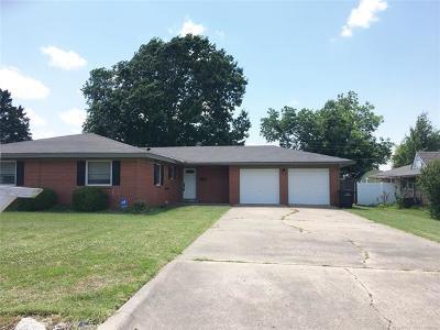 Bartlesville Single Family Home For Sale: 221 Roselawn Avenue