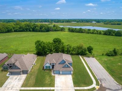 Broken Arrow Single Family Home For Sale: 4003 S 15th Place