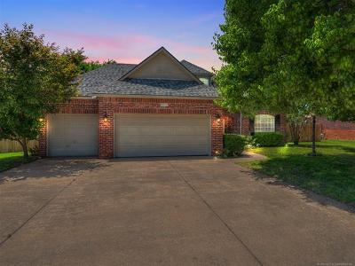 Owasso Single Family Home For Sale: 9210 N 103rd East Place