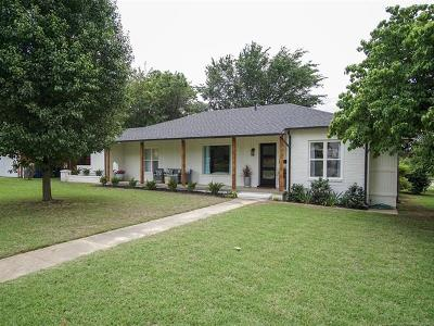 Tulsa Single Family Home For Sale: 2304 S Florence Place