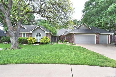Tulsa Single Family Home For Sale: 4559 E 107th Street