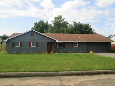 Muskogee Single Family Home For Sale: 2811 Hayes Street