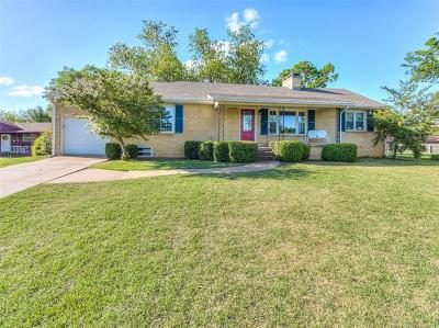 Bartlesville Single Family Home For Sale: 140 Fleetwood Place
