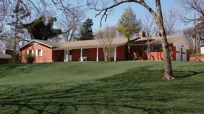 Bartlesville Single Family Home For Sale: 215 Staats Drive