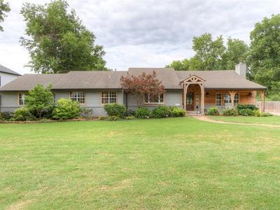 Tulsa Single Family Home For Sale: 2816 E 49th Street