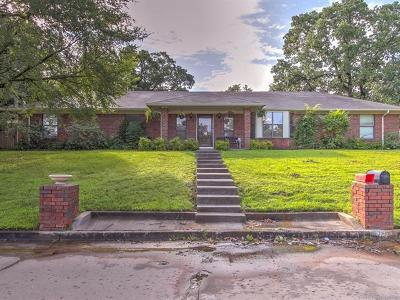 Sapulpa Single Family Home For Sale: 1213 N Moccasin Street