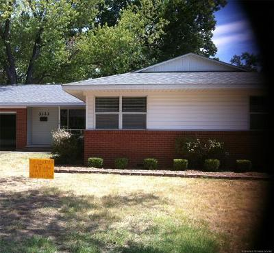 Tulsa Single Family Home For Sale: 5323 S Columbia Place