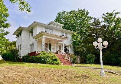 Henryetta Single Family Home For Sale: 412 W Merrick Street